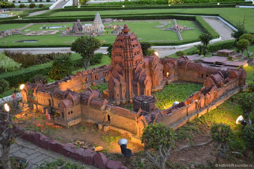Исторический парк Panomrung. Одно из самых интересных кхмерских сооружений в Таиланде. Монастырь был построен в 10 – 13 веках нашей эры и символизирует гору Кайлаш.