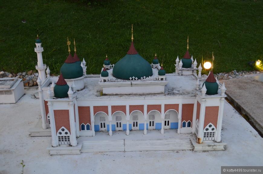 Мечеть Паттани - самая большая мечеть в Таиланде.