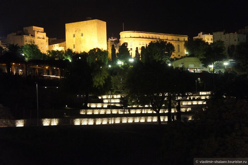 Фонтаны парка Римского амфитеатра.