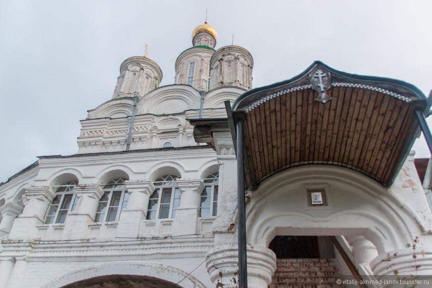 В 2005 году в Успенском соборе архиепископом Георгием совершён чин Великого освящения Престола в честь великомученицы Екатерины.