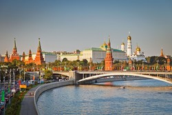 Туристов из Германиии арестовали за запуск квадрокоптера над Кремлем