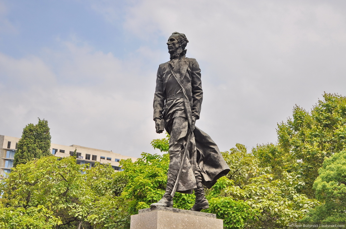 Сочи — Скульптуры и памятники
