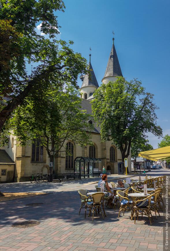 Через Гослар пролегал в средние века паломнический путь св. Якова. Это церковь паломников, построена в 11 веке.