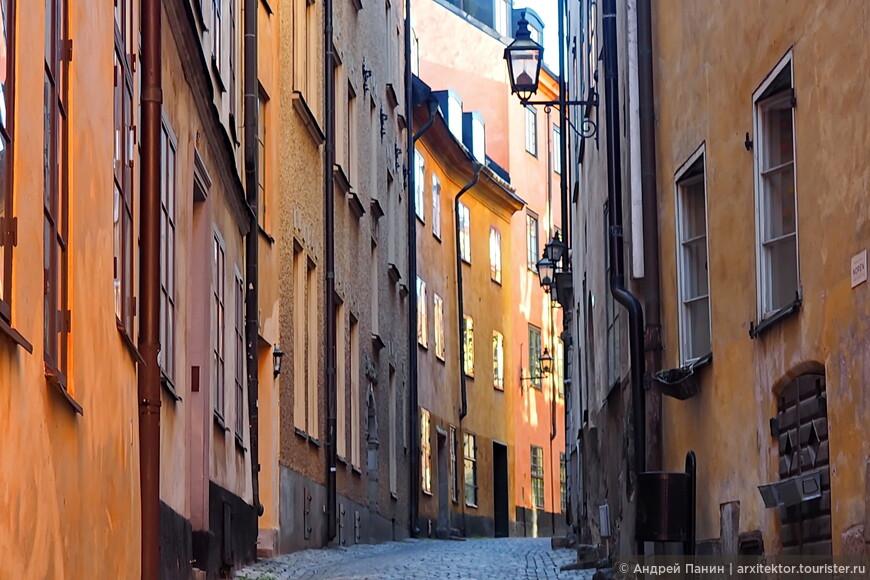 Отправляемся гулять по тихим улочкам Старого города. Они очень живописны.