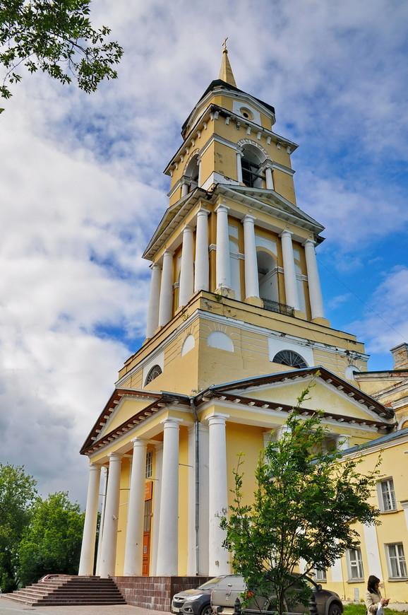 12. Великолепная башня, высотная доминанта исторического центра. Кстати, «визитная карточка» города.