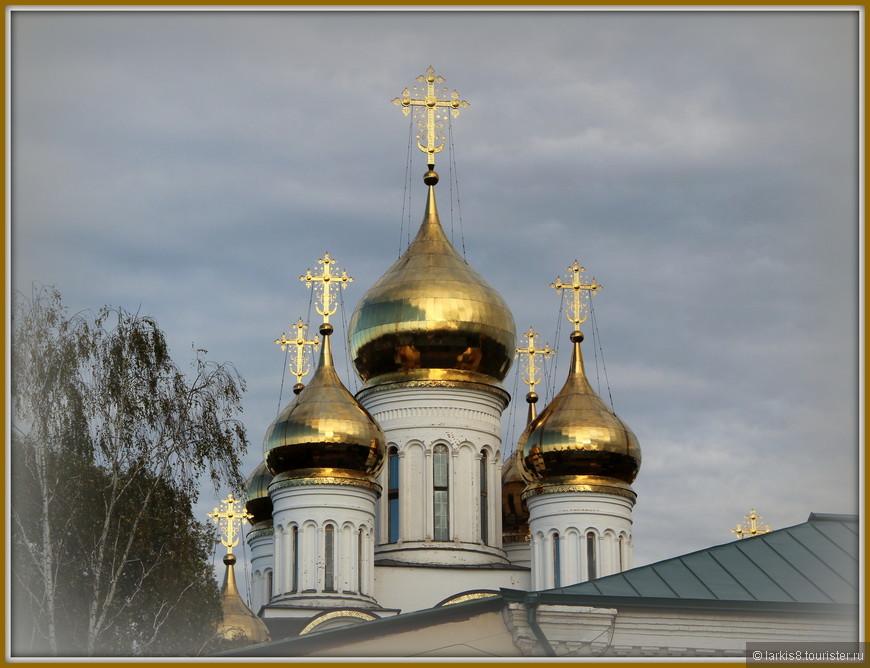 Купола Никольского собора.