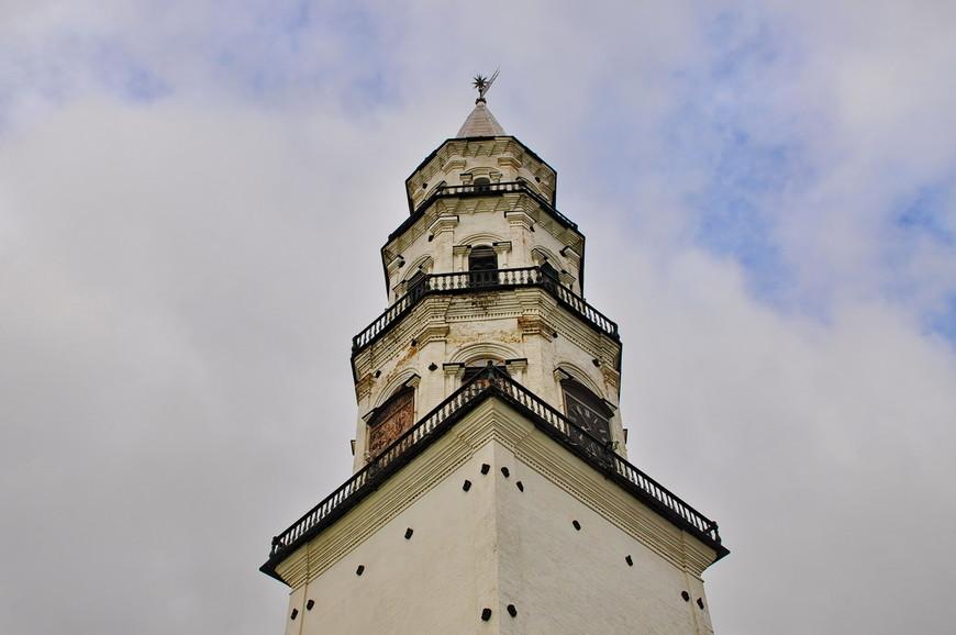 38. На вершине башни установлен 25-ти килограммовый флюгер, который подключен к молниеотводу.