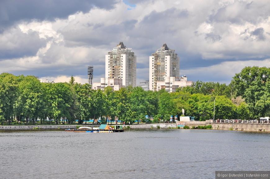 05. Екатеринбург очень высотный город, по количеству зданий 20+ он занимает третье место после Москвы и Питера, а по количеству небоскребов сразу за Москвой.