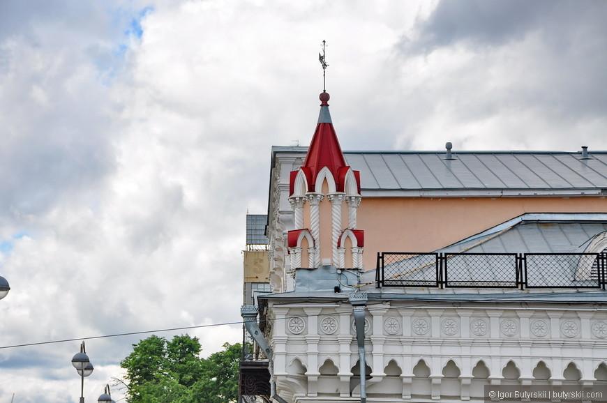 15. Только башенка дома купцов Коробковых намекает на историческую ценность этого здания.