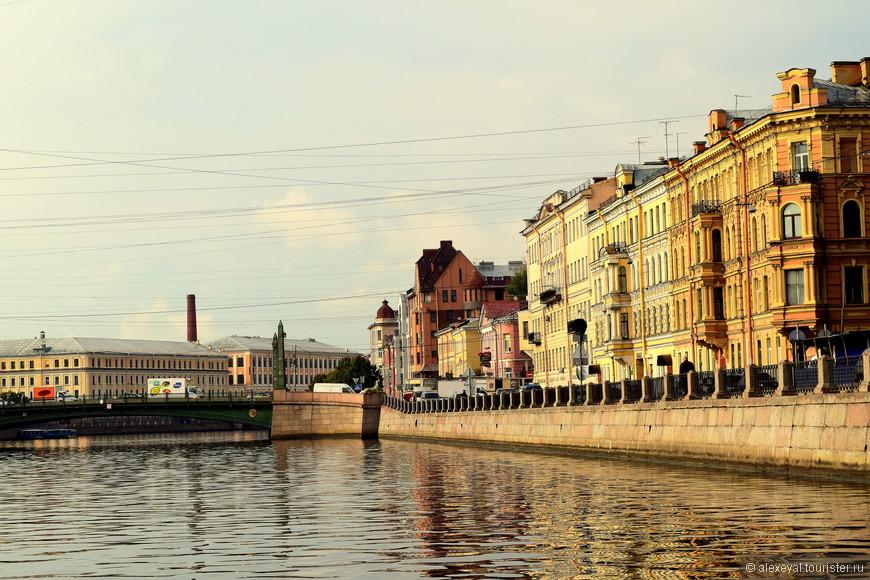 Мосты Санкт-Петербурга уже давно стали одним из главных символов города.  Плывем навстречу очередному.