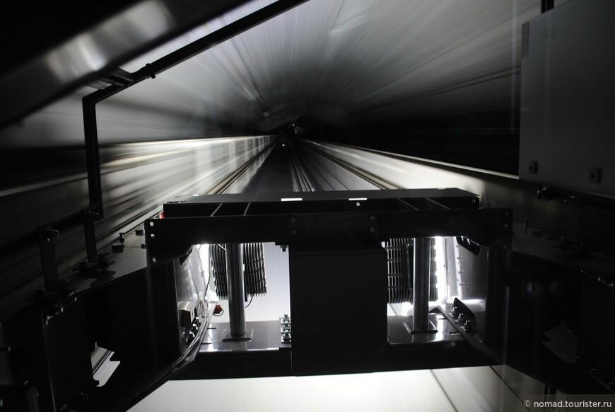 Стеклянный лифт в Дунайской Башне