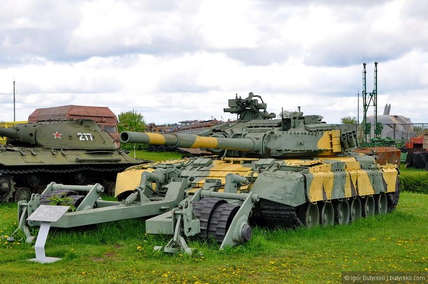 Основной танк Т-80У