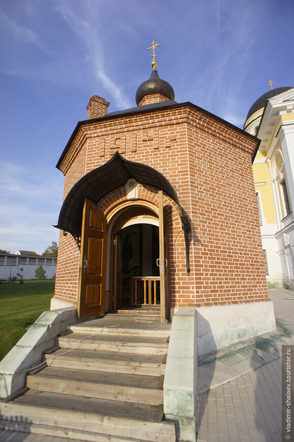 Часовня Георгия Победоносца (1914 г.) восстановлена в 2007 году.
