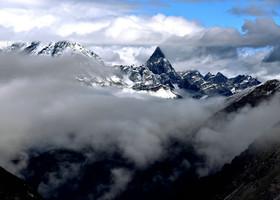 Горы  Сыгуняншань (Гора четырёх девиц)