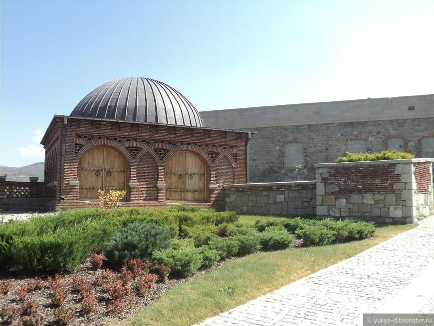 Невольно согласишься с мнением, что это одна из красивейших крепостей Грузии