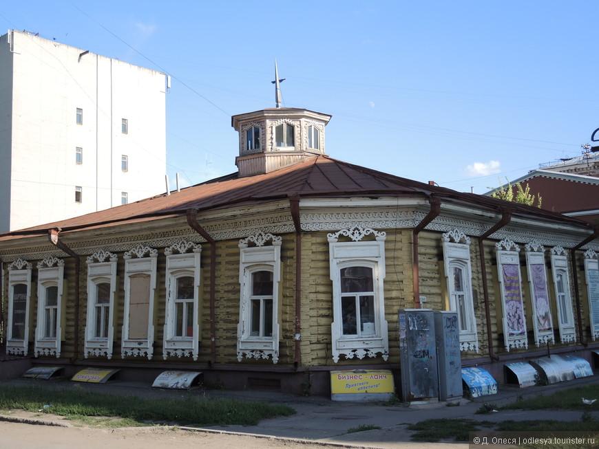Старый дома на Тарской улице