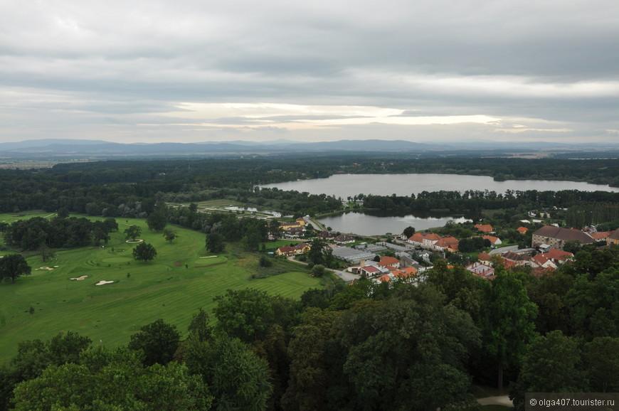 Вид из замка Глубока-над-Влтавой