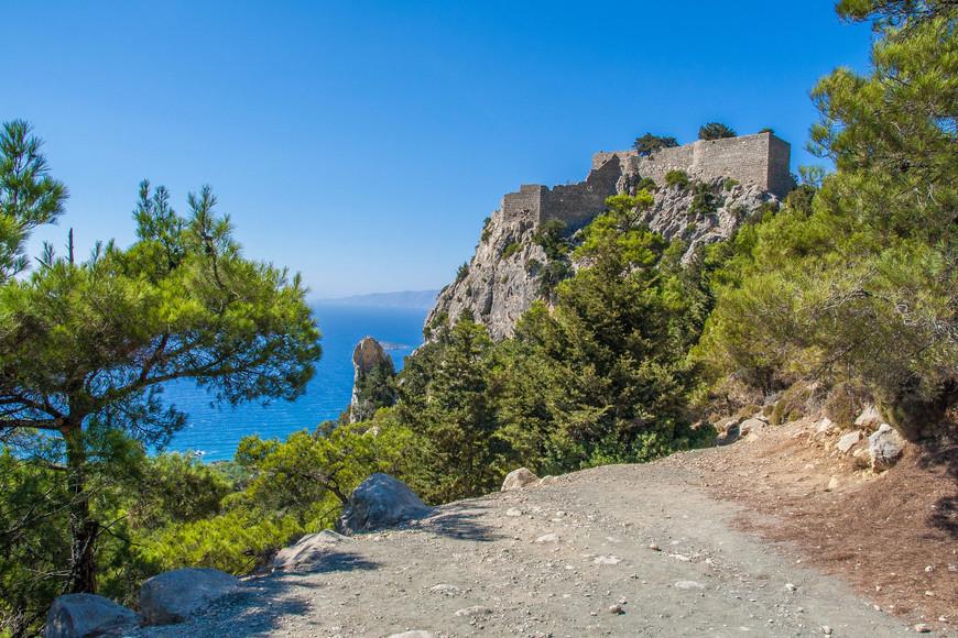 Замок Монолитос.Был построен  рыцарями Ордена Святого Иоанна в 1476 году.