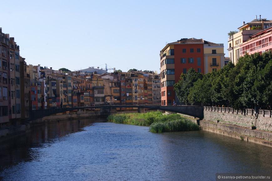 Жирона - город на северо-востоке Испании, сохранивший дух средневековья.