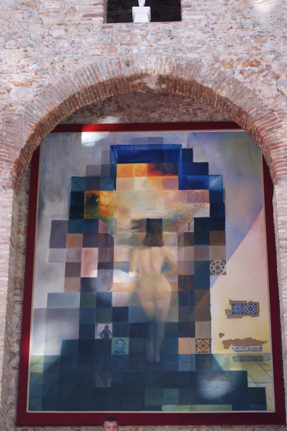 Произведения Сальвадора Дали, будь то картина или скульптура, производят сильное впечатление.