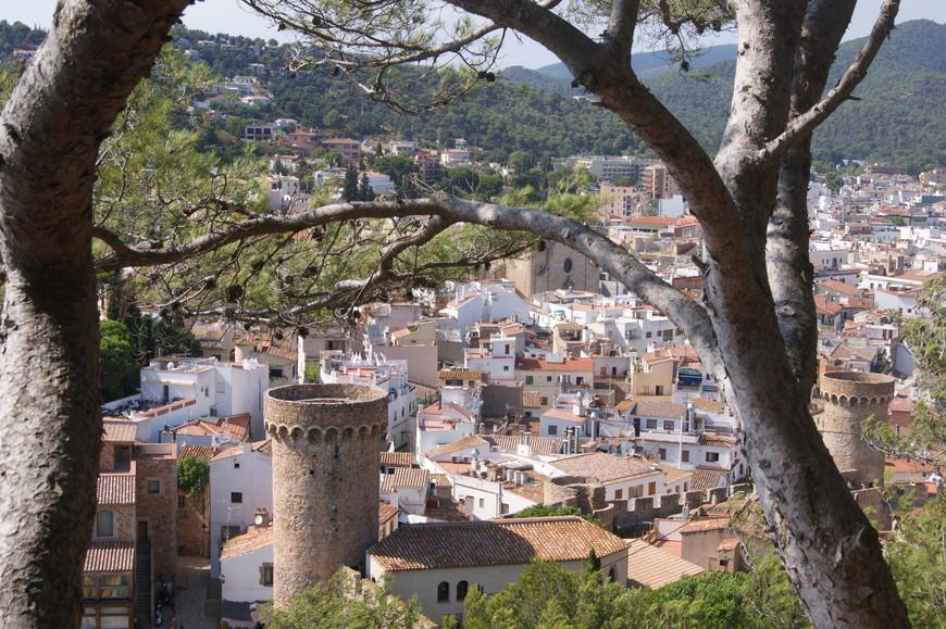 Тосса-де-Мар - очень симпатичный, уютный и опрятный городок.