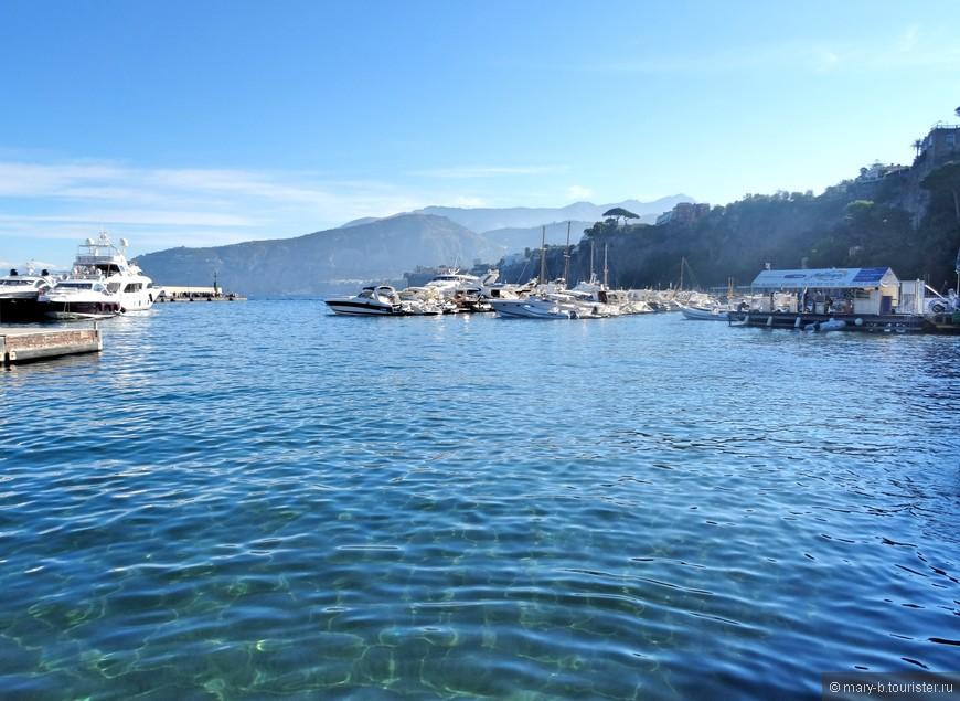 Прозрачнейшая вода бухты Марина Пиккола