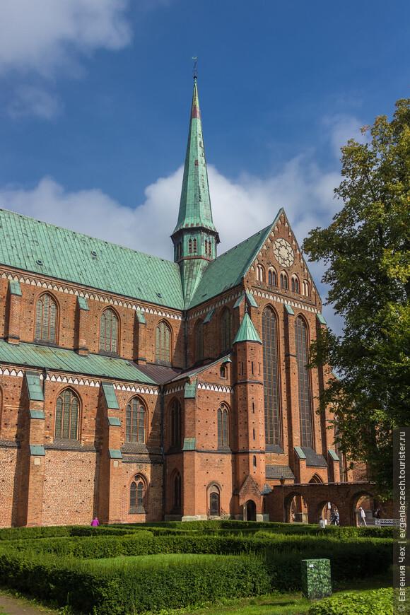 Кафедральный собор, 1296.