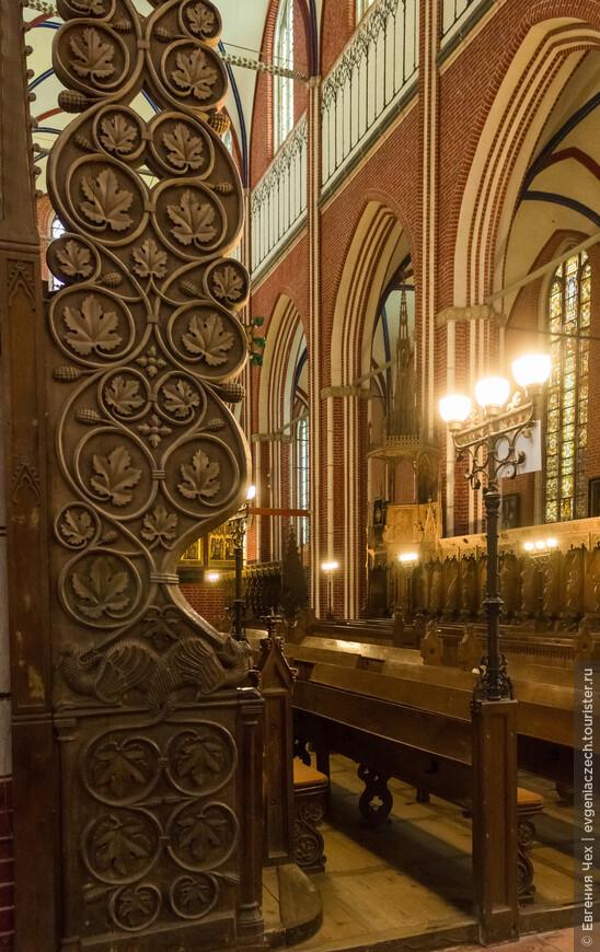 Laiengestühl, 1300, хоры для монахов