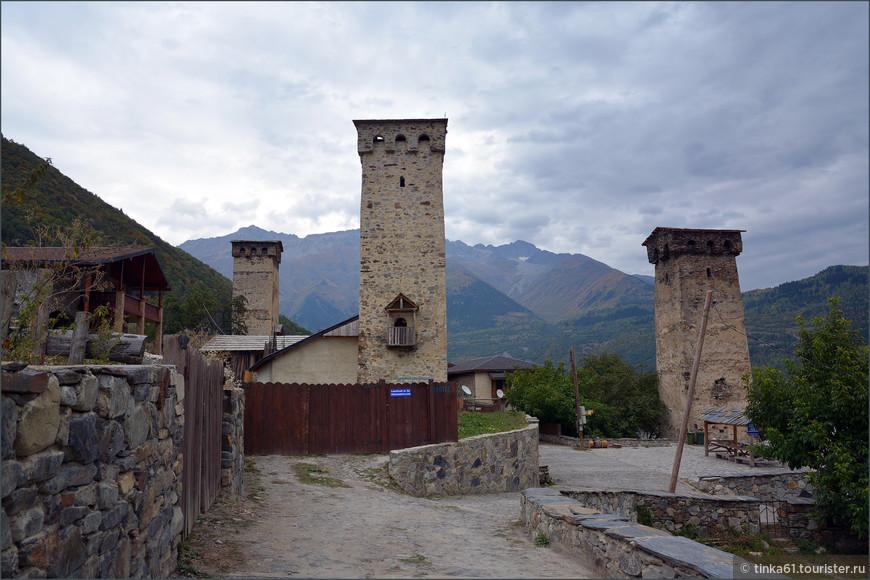 Местиа, знаменитые сванские башни.