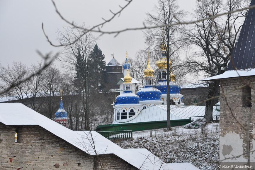 Панорама Псково-Печерского монастыря