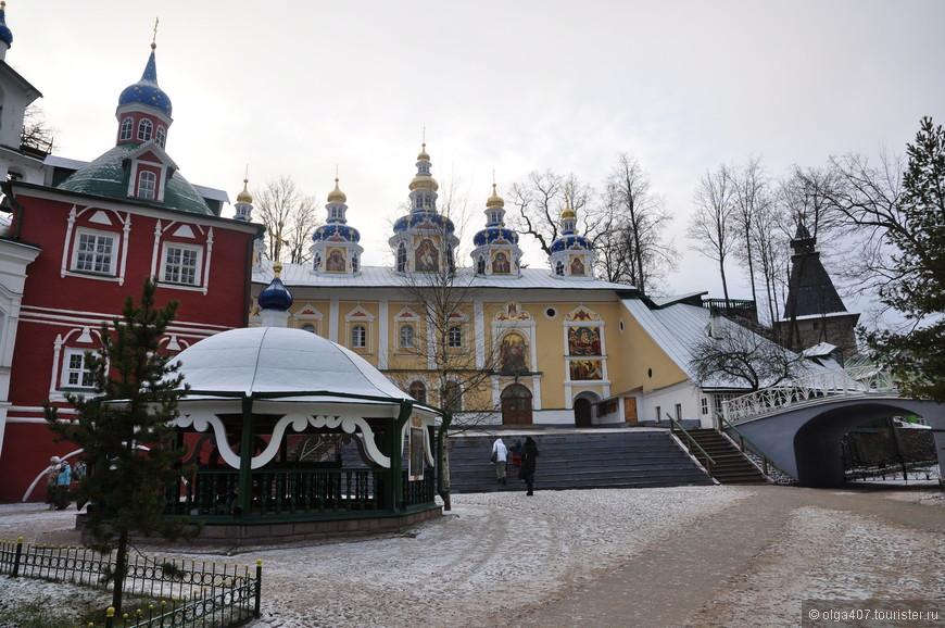 Церкви Псково-Печерского монастыря