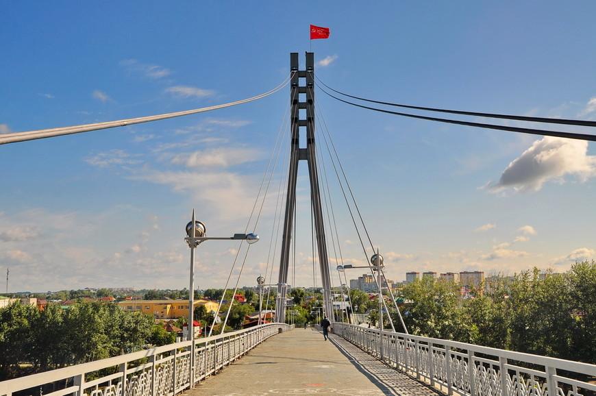 08. Мост является любимым местом для влюбленных и… самоубийц. И те и те любят использовать мост в своих целях.