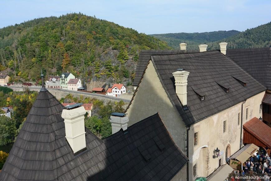 Вид с башни на Локет