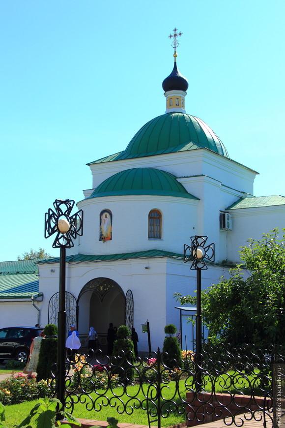 Надвратная церковь Кирилла Белоезерского