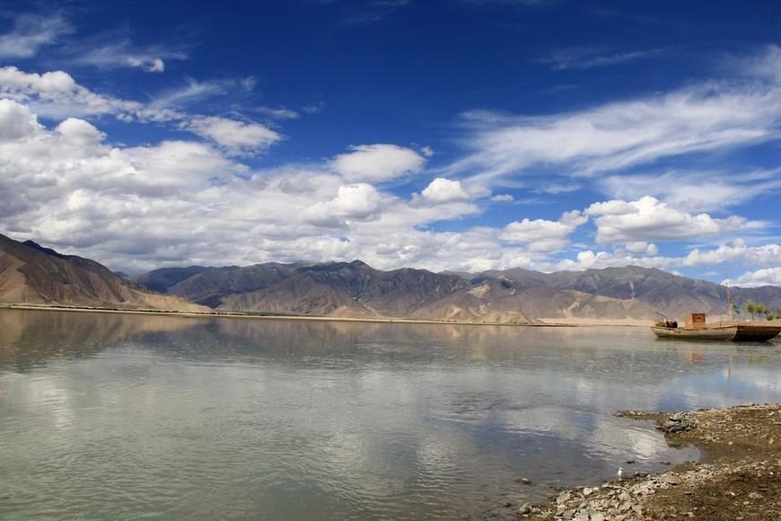 река Брахмапутра, горы Тибета
