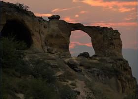 Уж не знаю что там дальше будет с этими пещерами (специалисты разберутся), но одна уже превратилась в кольцо диаметром около 10 метров и стала одним из символов Кисловодска.