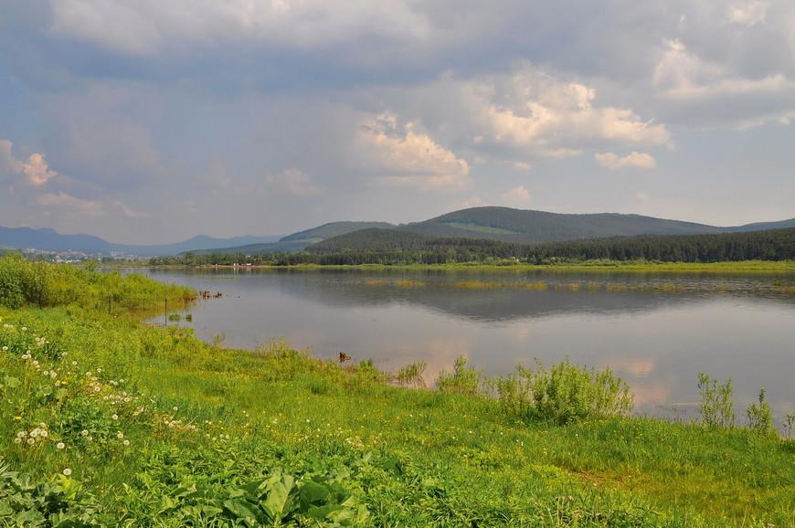20. На противоположной стороне реки – национальный парк «Таганай». Говорят, что в нем можно встретить лося или медведя. Но я не встретил никого, жаль…