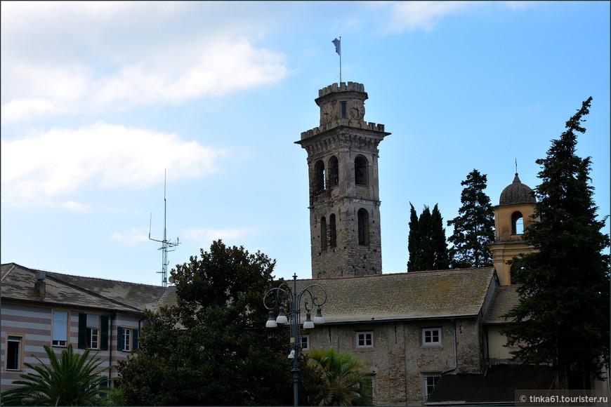 Башня доминирует в ансамбле Старого города.
