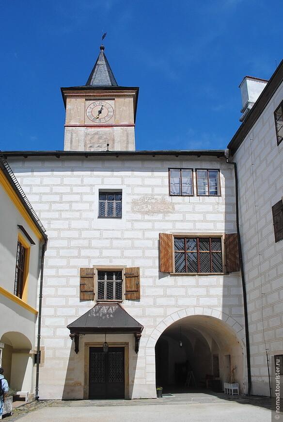 Внутрений двор замка
