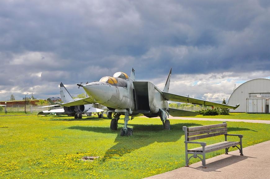 01. Воздушная техника занимает, наверно, большую часть музея. Экспонатов очень много, все они интересны и символичны.