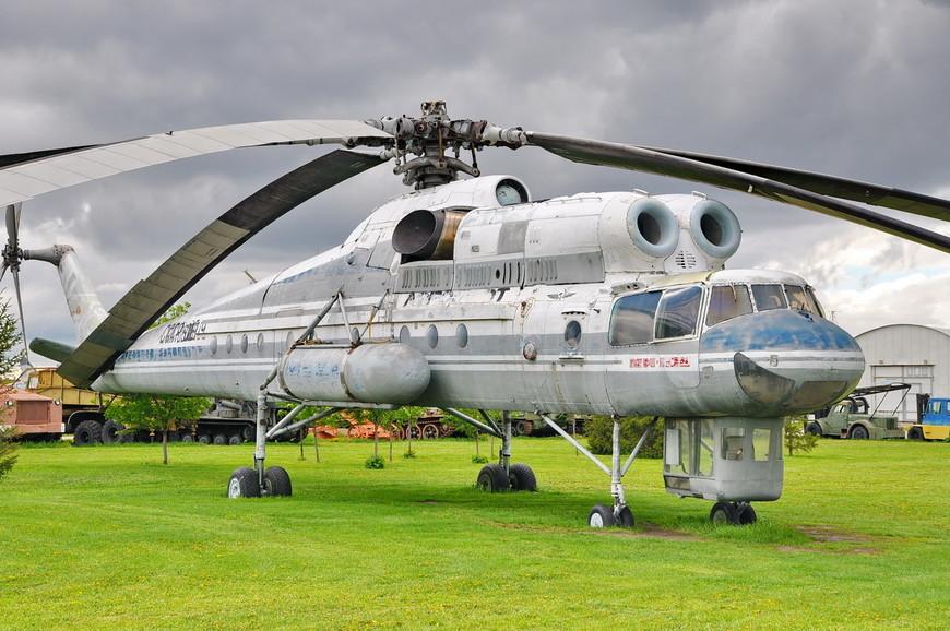 Военный транспортный вертолёт Ми-10К