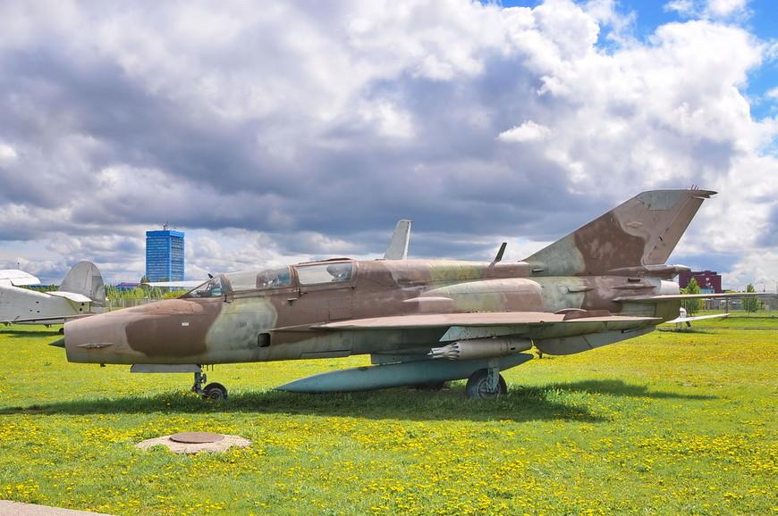 Фронтовой истребитель МиГ-21УМ