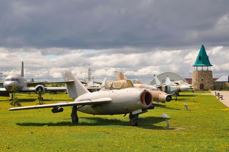 Фронтовой истребитель МиГ-15УТИ