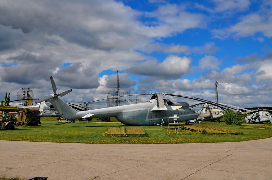 Тяжёлый транспортный вертолёт Ми-6
