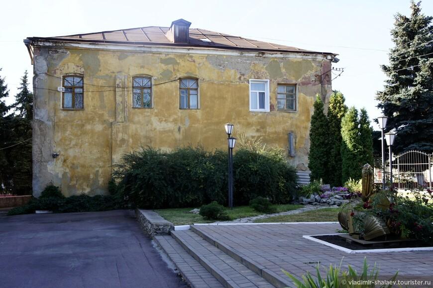 Ещё один старинный дом на улице Карла Маркса.