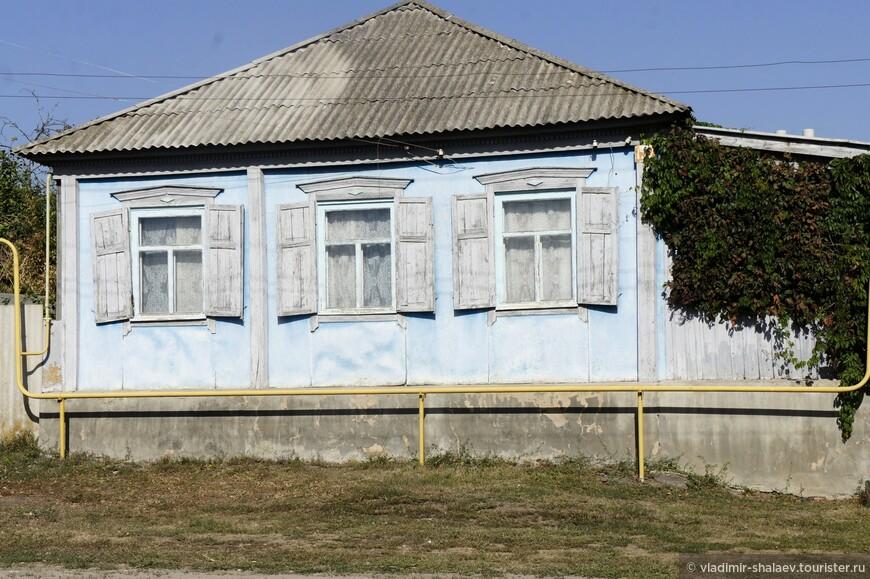 Если ехать от Богучара в сторону Дона, то на пути будет хутор Залиман. Хутор основан в 1720 году жителями Богучара, которые проживали на острове, а затем стали переходить за о. Лиман, отсюда и название «Залиман». В селе в 20-30-х годах бывал Андрей Платонов, писатель в те годы занимался электрификацией села, в последствии описавший его, а романе «Чевенгур» (1928-1929)