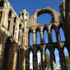 Руины Кафедрального собора в Элгине, второго по величине в Шотландии, сожженного в 1390 г Волком