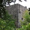 Замок Гарс (Garth Castle), где по другой версии встретил свою смерть Волк из Бейдноха. Замок закрыт для посетителей, так как находится в частной собственности