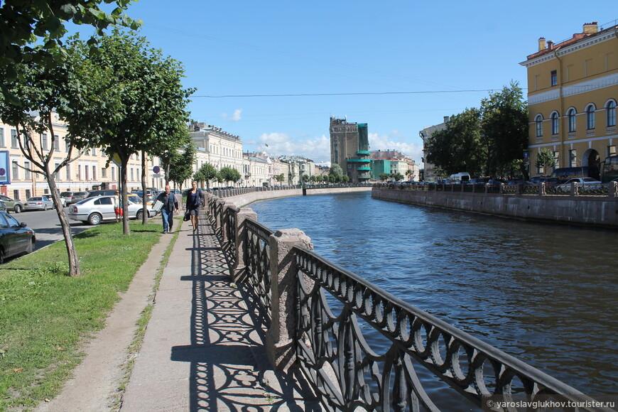 Набережная Мойки — одно из самых красивых мест Санкт-Петербурга.