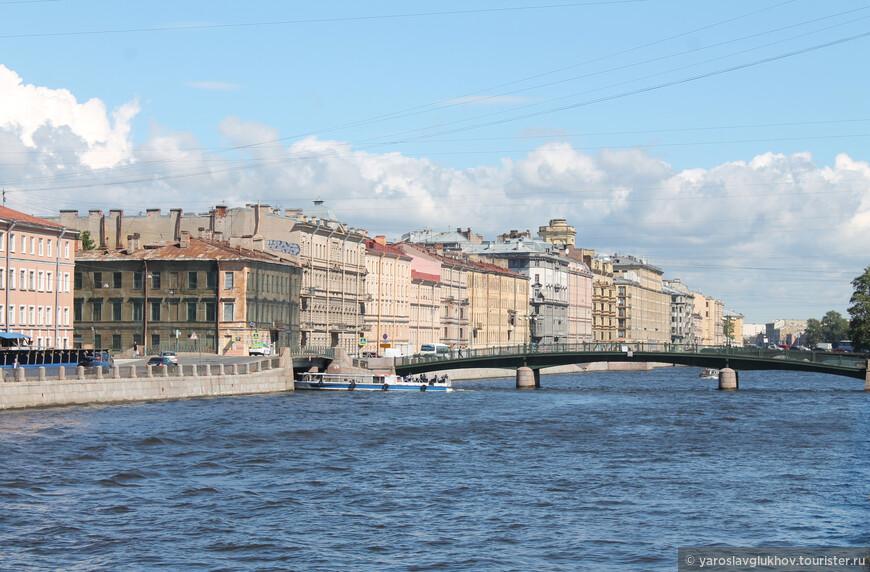 Фонтанка: здесь в неё впадает Крюков канал. Здесь мы и закончим нашу прогулку по набережным каналов Северной столицы.